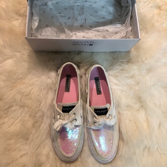 EUC Sperry White Iridescent Sequin Bluefish Shoes